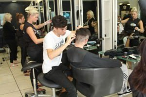 Hairdresser-Training-7