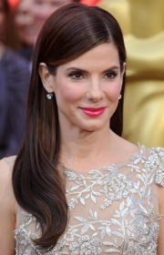 sandra-bullock-side-swept-straight-hair